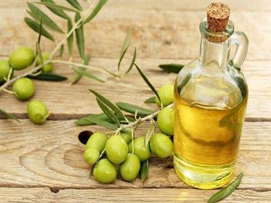 Cách trị mụn đầu đen bằng dầu oliu