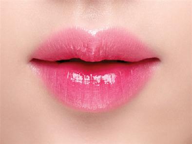 Phun môi màu đỏ hồng- bí quyết luôn xinh tươi