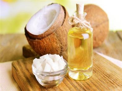 Làm hồng vùng kín bằng dầu dừa – Bí quyết nhất định chị em phải biết