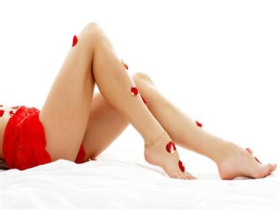 Giải đáp thắc mắc giúp nàng: có nên tẩy lông chân bằng muối không?