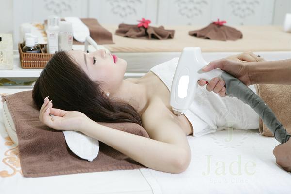 Đánh bay nỗi lo lông nách với phương pháp triệt lông hiệu quả bằng laser